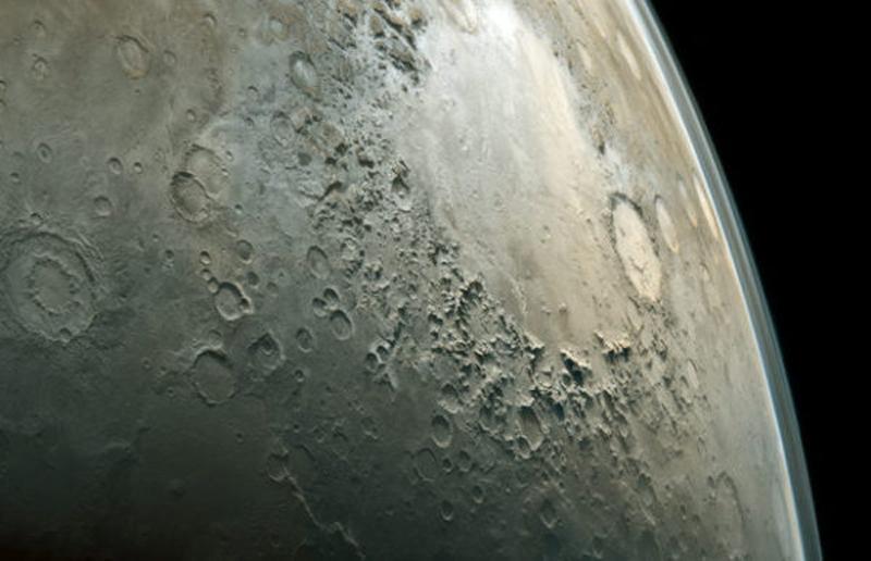 Самое интересное о Луне